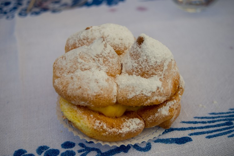 Nuns Breast, a patisserie from Abruzzo