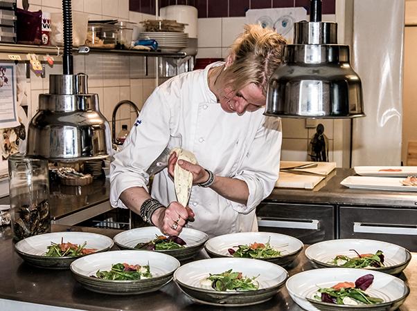 Chef Elaine at Hävvi in Glen Sweden