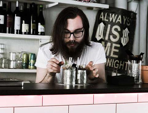 A bartender making a cocktail in Jazzkoket in Östersund Sweden